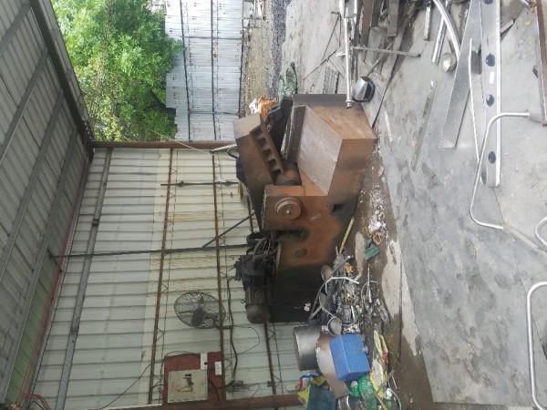 求购200吨立式打包机与剪铁机