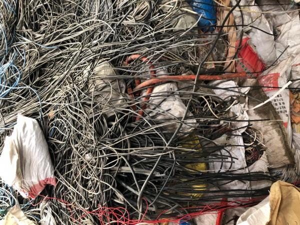 🇨🇳(戴伟铜米破碎加工廠)现金高价回收♻杂线🧵网线🧵平方线🧵电子厂线🧵汽车线🧵摩托车线🧵空调线🧵机械线🧵插头线🧵拆厂线🧵以及各种型号废旧电缆🧵含铜废料♻等等……  #欢迎来料加工#🇨🇳。                     财富热线📲15019604842