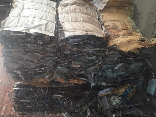 专业回收各种纯钛篮、钛管、挂具钛、合金钛,钛刨丝等!