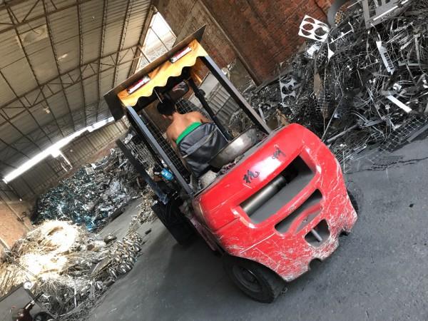 回收不锈钢304-201-边料管料及二手板料-卷带