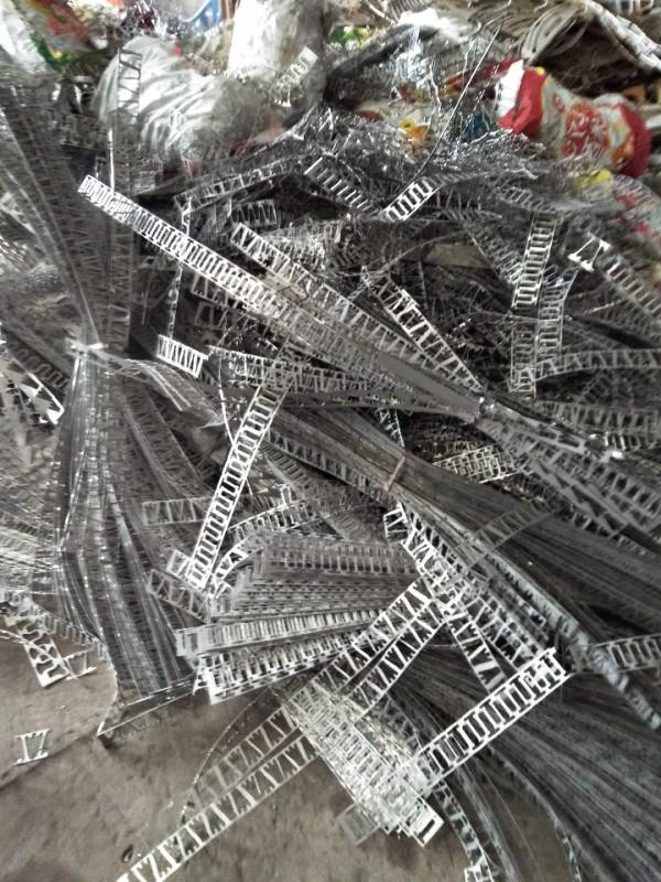 现金收购201,202,304,316各种废料和刨丝。